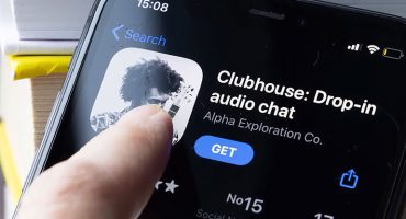 Facebook работает над аудио комнатами
